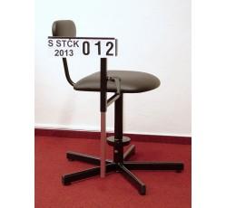 obrázek Židle pro třídílnou fotografii